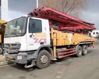 2013年三一奔驰49米C8泵车