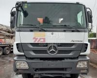 2012年12月中联奔驰52米泵车