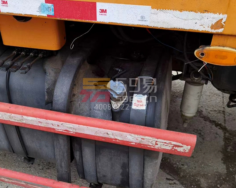 2014年10月三一奔驰49米泵车