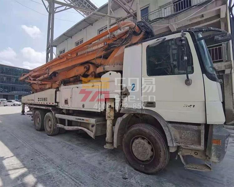 2013年9月中联奔驰49米泵车