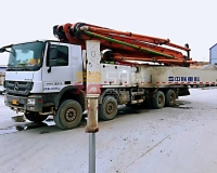 2015年6月中联奔驰56米泵车