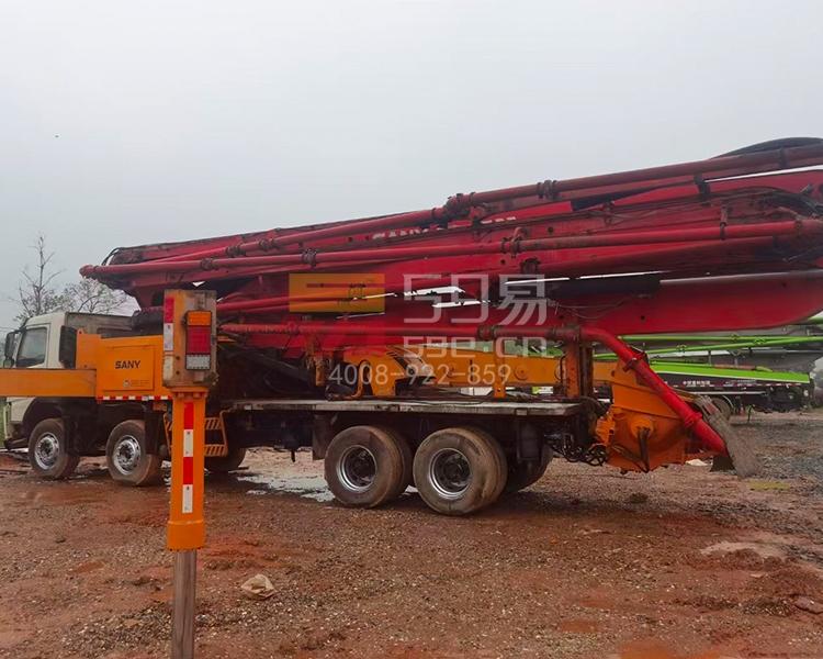 2012年三一沃尔沃56米泵车