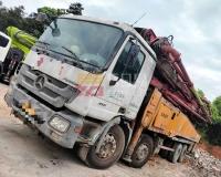 2011年三一奔驰56米泵车