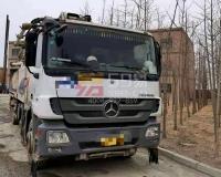 2012年中联奔驰52米泵车