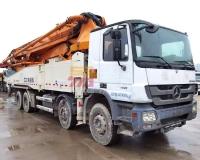 2013年中联奔驰52米泵车