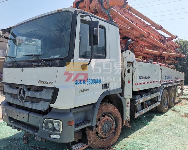 2014年12月中联奔驰49米泵车