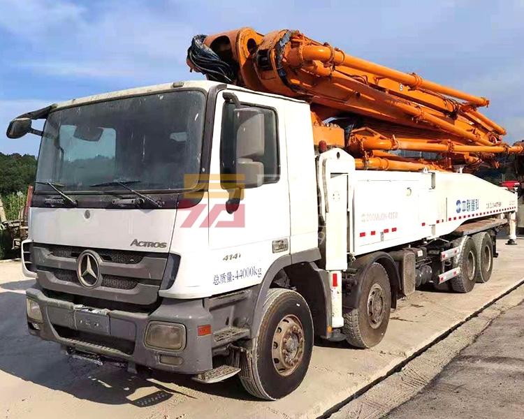 2013年10月中联奔驰56米泵车