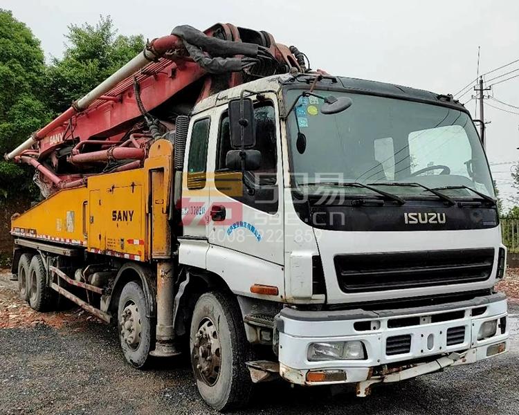 2012年12月三一五十铃48米泵车