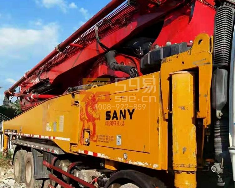 2013年5月三一五十铃52米泵车