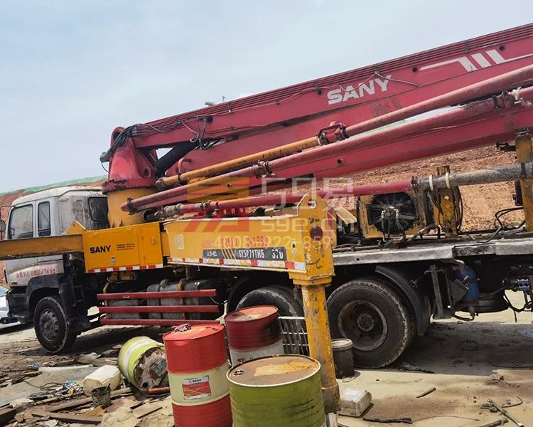 2010年12月三一五十铃37米泵车