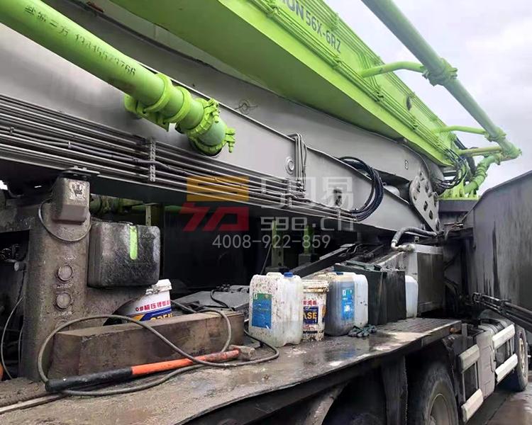 2018年12月中联奔驰56米泵车