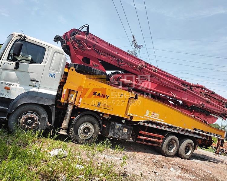 2012年三一日野56米泵车