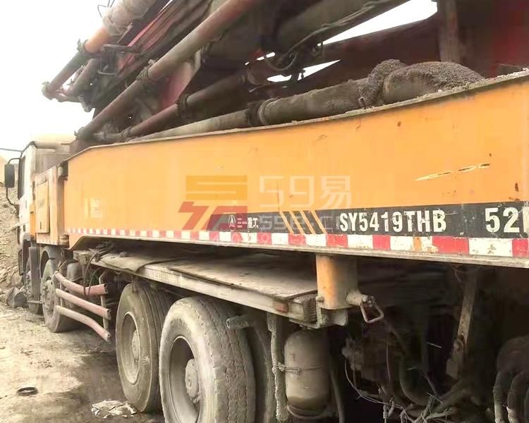 2012年三一奔驰52米泵车